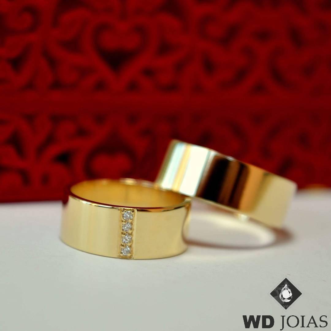 Aliança de Casamento Ouro Polida Com Pedras 7mm 14g MJO28