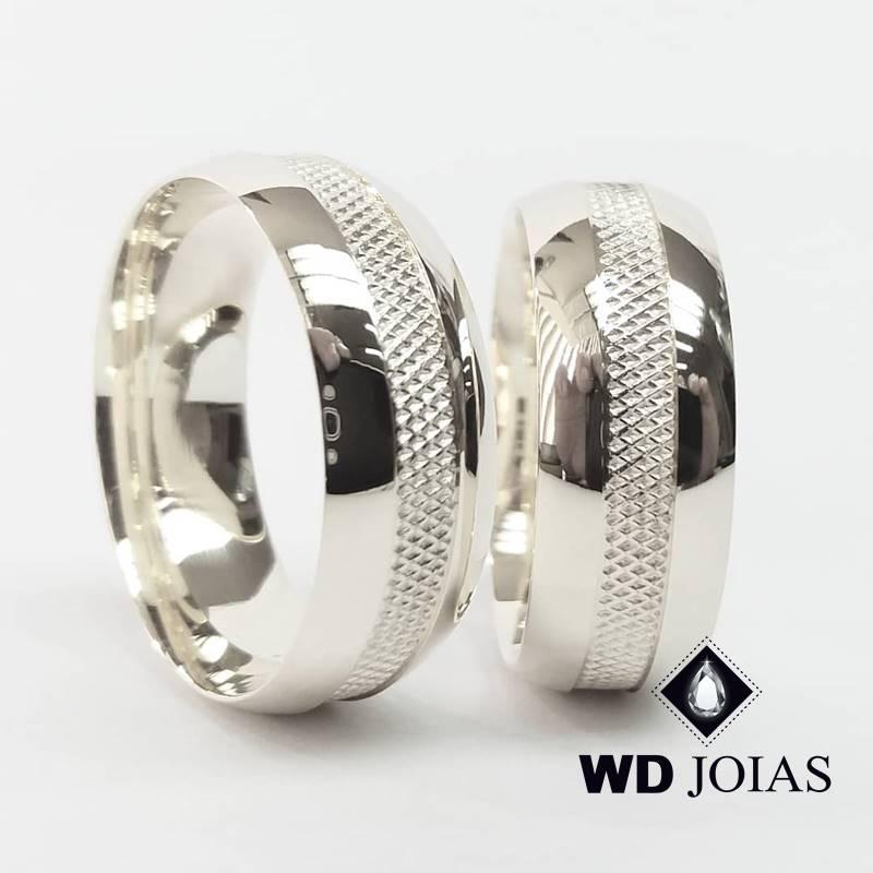 Aliança de Compromisso Polida Bordada Prata 9mm 22g MJP119