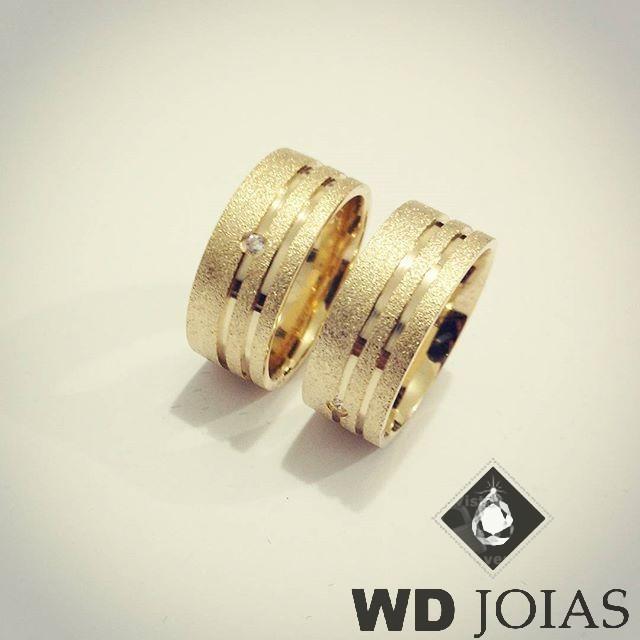 Alianças Casamento Moeda Antiga Reta Diamantadas 8mm MJM38