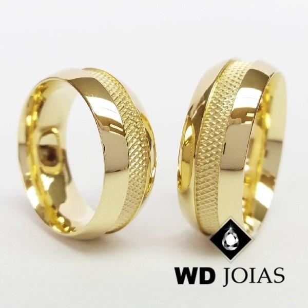 Alianças de Casamento Ouro Anatômica Bordada 8mm 22g WD8783