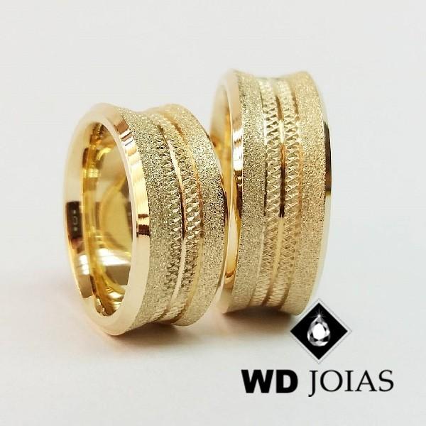 Alianças de Casamento Ouro Fosca e Bordadas 9mm 26g WD8818