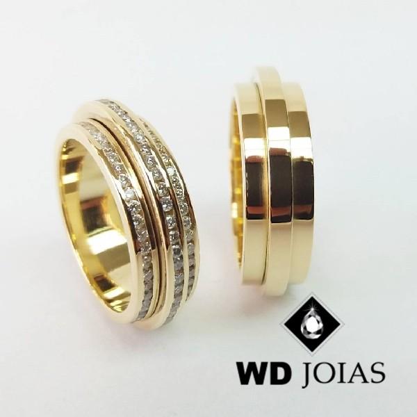 Alianças de Casamento Ouro Polida Com Diamantes 23g WD8808