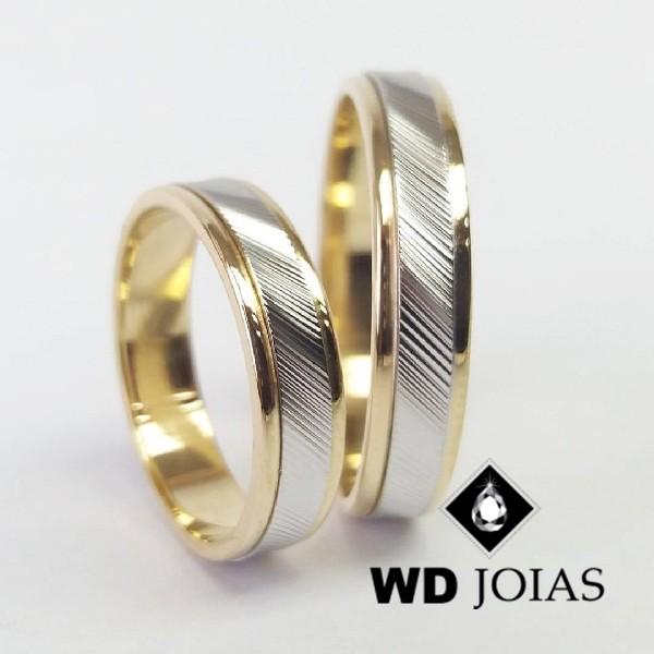 Alianças de Casamento Ouro Polida e Bordado 4mm 10g WD8827