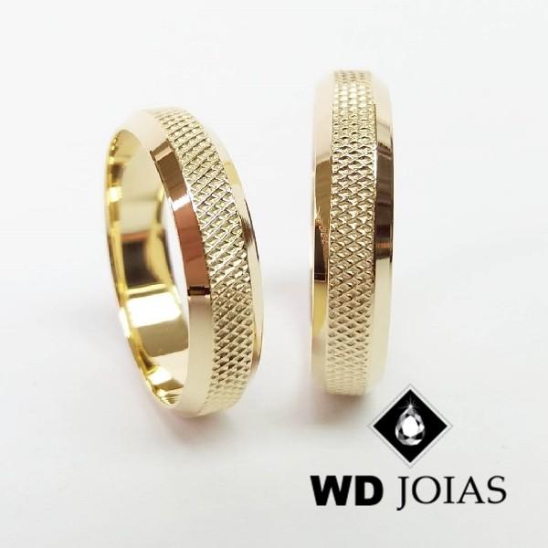 Alianças de Casamento Ouro Polida e Bordado 4mm 12g WD8779