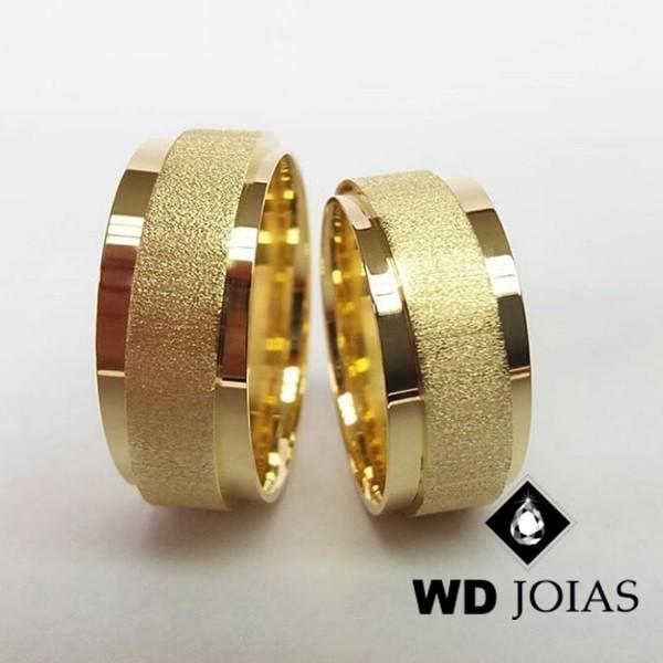 Alianças de Casamento Ouro Polida e Diamantada 22g WD8937