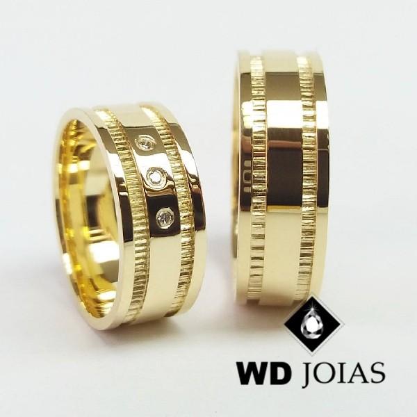 Alianças de Casamento Ouro Polidas e Bordada 8mm 18g WD8820