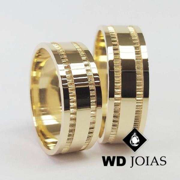 Alianças de Casamento Ouro Polidas e Bordado 8mm 20g WD8829