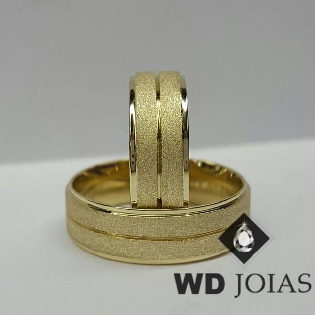 Alianças de Casamento Ouro Polidas e Diamantadas 15g WD8869