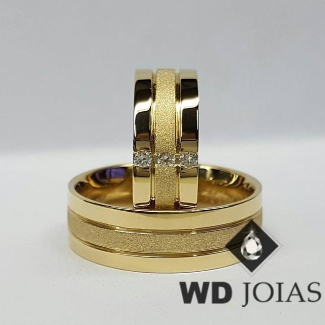 Alianças de Casamento Ouro Polidas e Diamantadas 18g WD8853