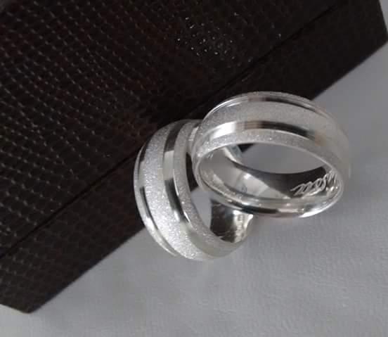 Alianças Namoro Prata Polida e Diamantadas 7mm 12g MJP39