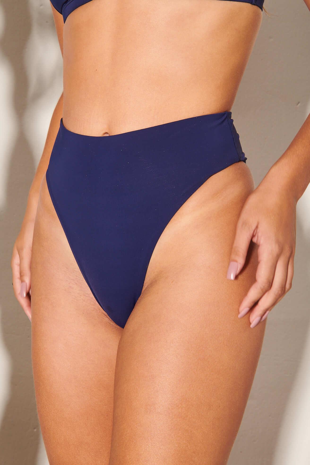 Calça Hot Pants Asa Delta Marinho