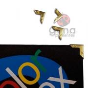 Metais - Cantoneira para Capa Detalhe Parafuso cor Dourado ou Ouro Velho p/Capa 1,5cm 101788