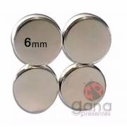 Metais - Fecho magnético Imã Pastilha 6x1,5mm para peças de cartonagem chato com 4 pastilhas