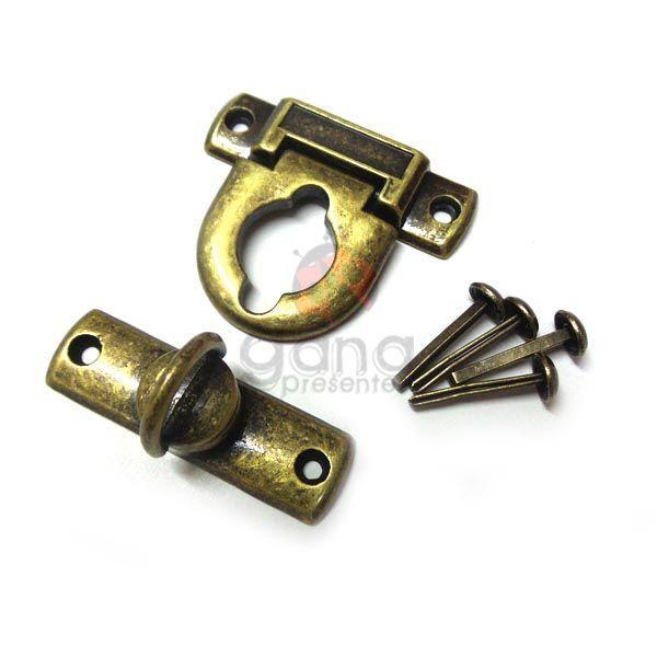 Metais - Fecho de metal GRANDE Ouro Velho para cartonagem unitário 101952