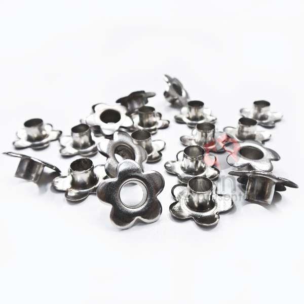 Metais - Ilhós Flor Aluminio PRATA 100 unid para peças de cartonagem e artesanato