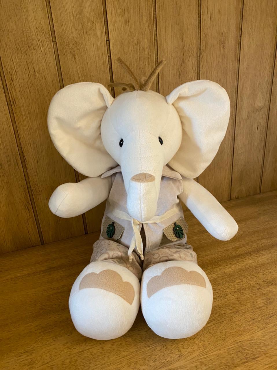 Elefante Pelúcia