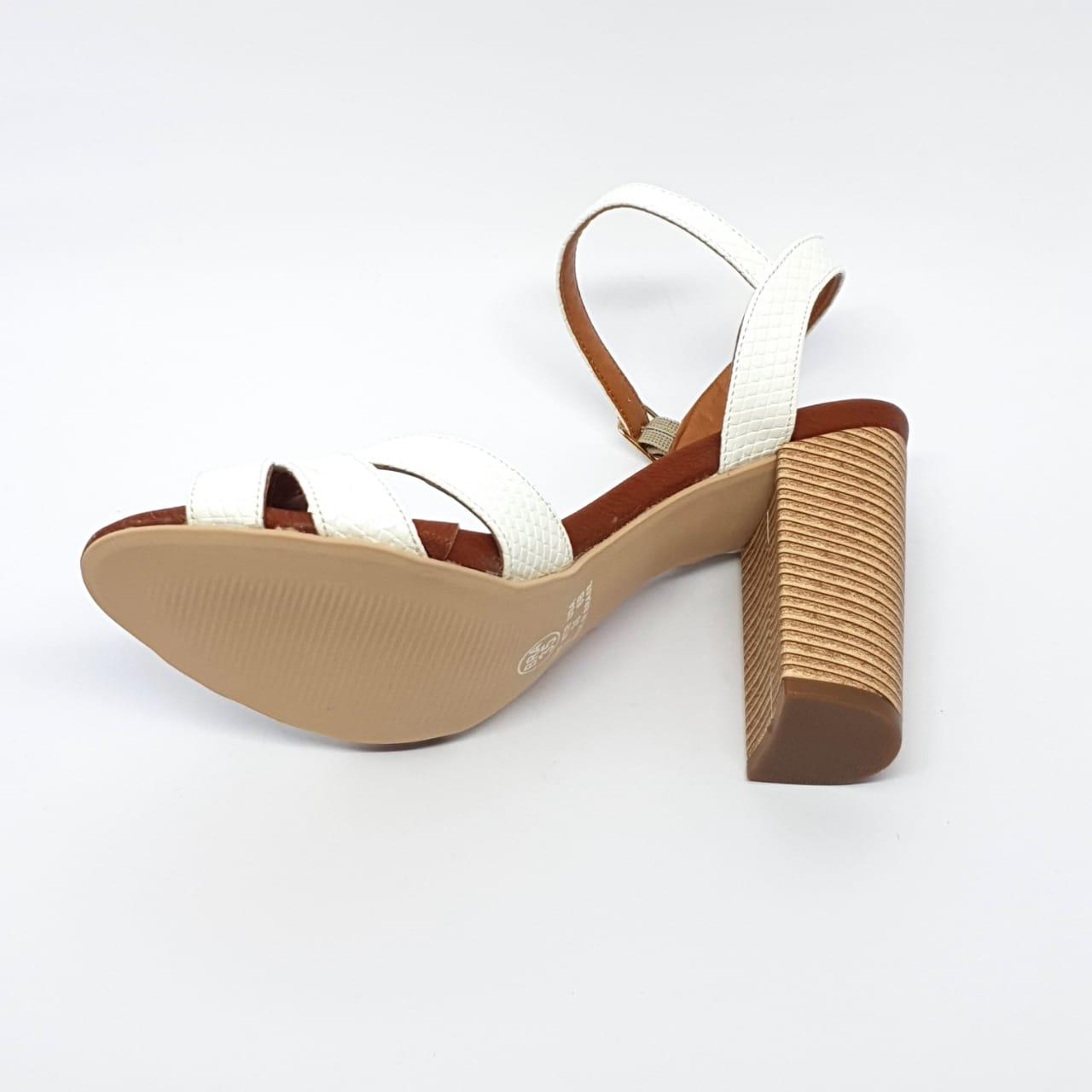 Sandália Branca Salto Bloco