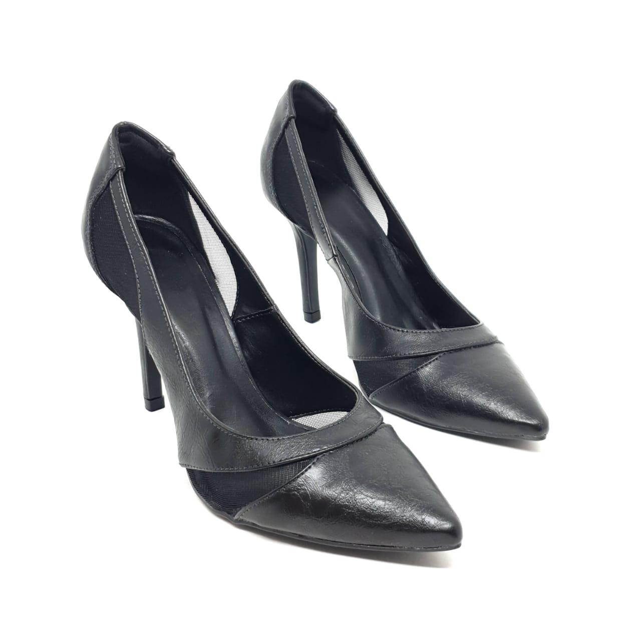 Sapato Scarpin Preto Rugo
