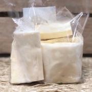 Mandioca Descascada Higienizada Orgânica 400g - Congelado