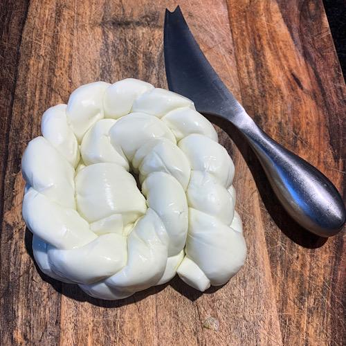 Queijo Mozarela de Búfala Trança Orgânico 300g