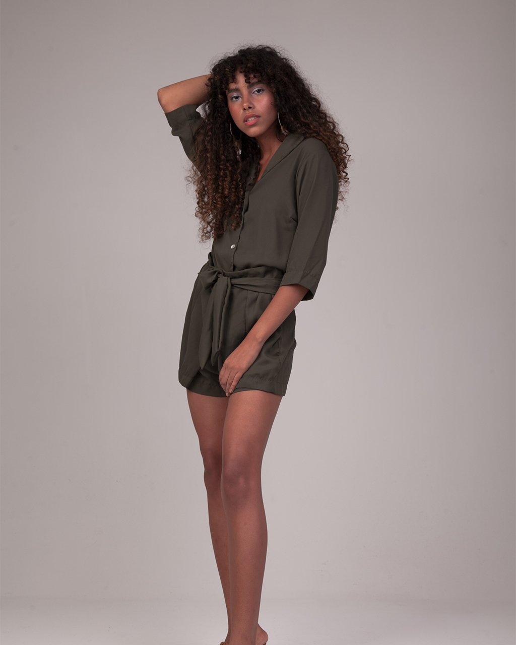 Short Denise Crepe Verde Militar