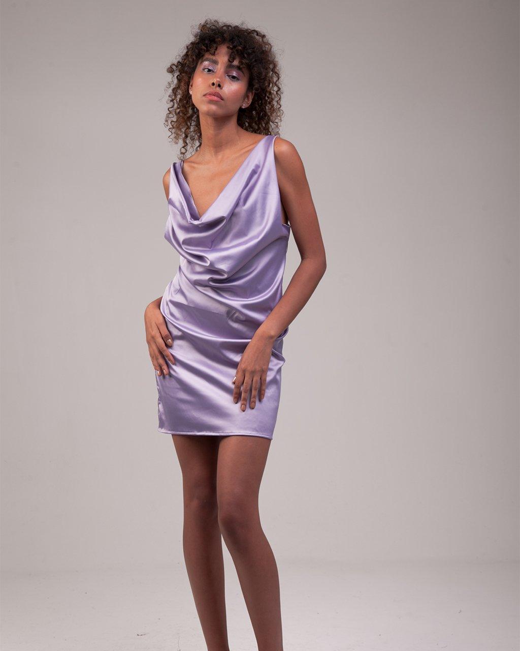 Vestido Slip Dress Decote Degagê Cetim Lilás