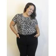 Blusa Básica de Malha Estampa Animal Print Preta Plus Size