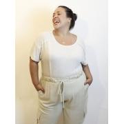 Blusa Básica Recortada em Malha Podrinha Plus Size