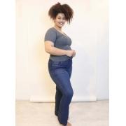 Calça Flare Blue Jeans Ultra Power com Barra a Fio Plus Size