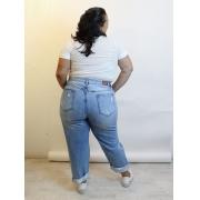 Calça Mom Jeans Destroyed Plus Size