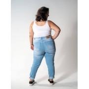 Calça Mom Jeans Plus Size Destroyed Delavé