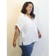 Camisa Básica Oversized Off White Plus Size