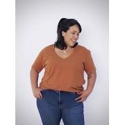 Camiseta Básica Plus Size em Algodão com Decote V
