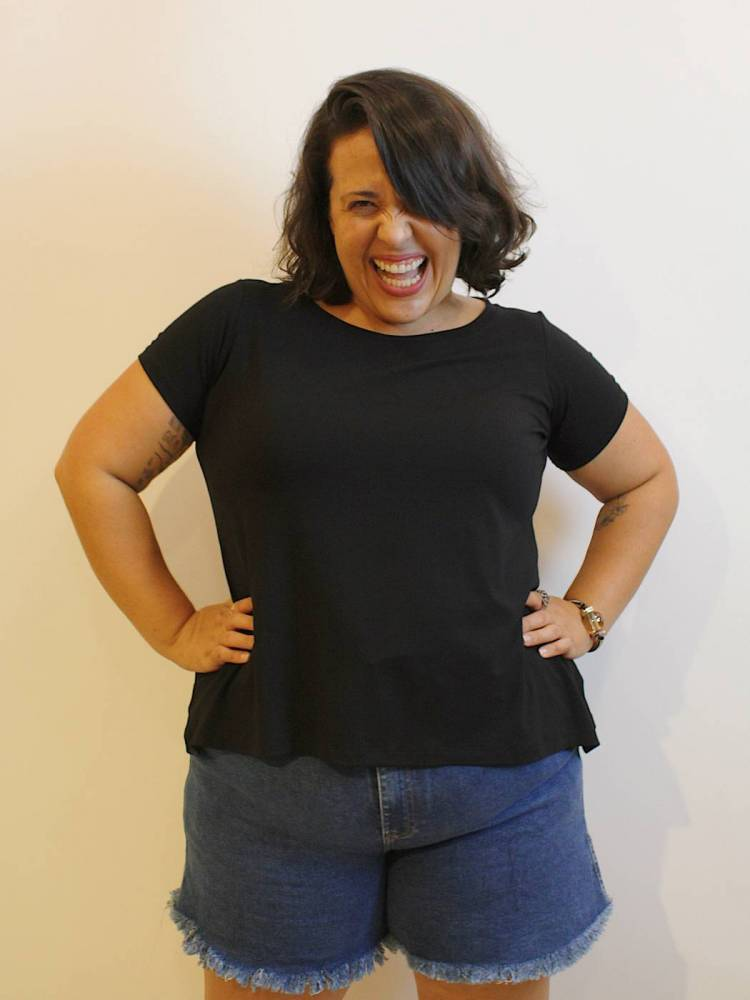 Blusa Básica Plus Size com Decote Redondo