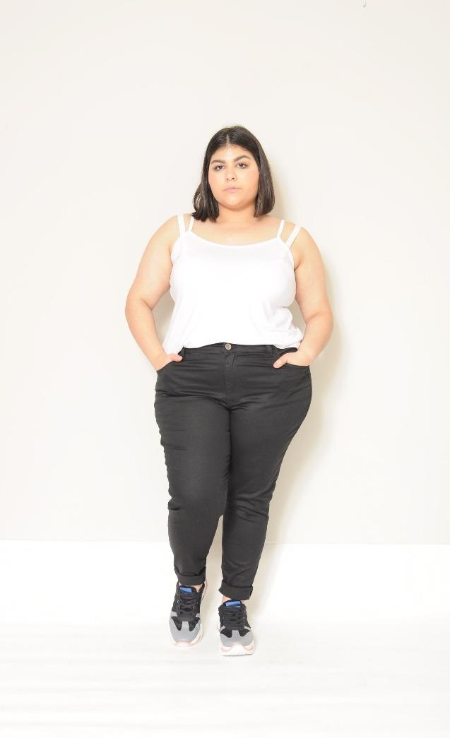 Calça De Sarja Super Skinny Preta Plus Size