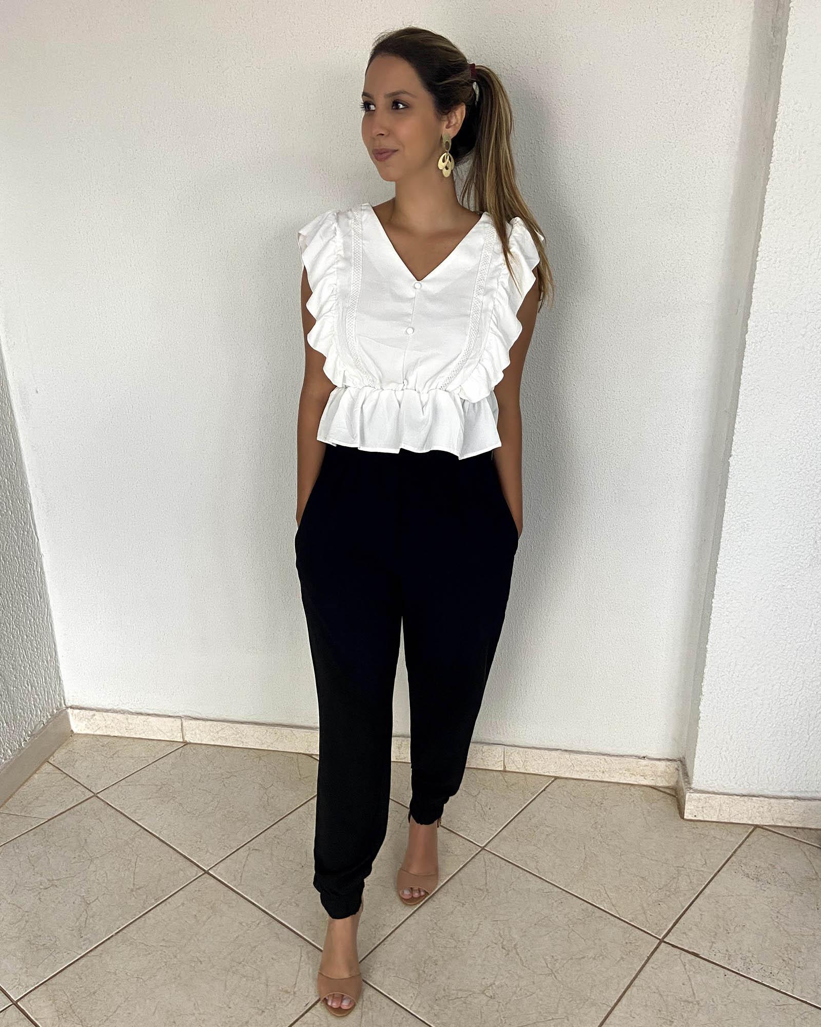 Blusa Branca com detalhes