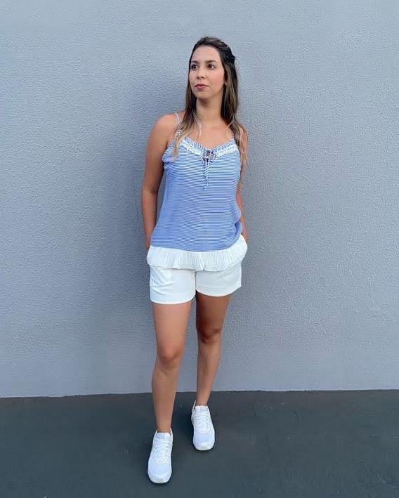 Blusa listrada azul e branca