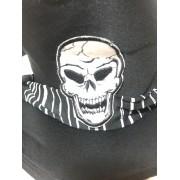 Cartola Pirata com Cabeca de Caveira e Lenço