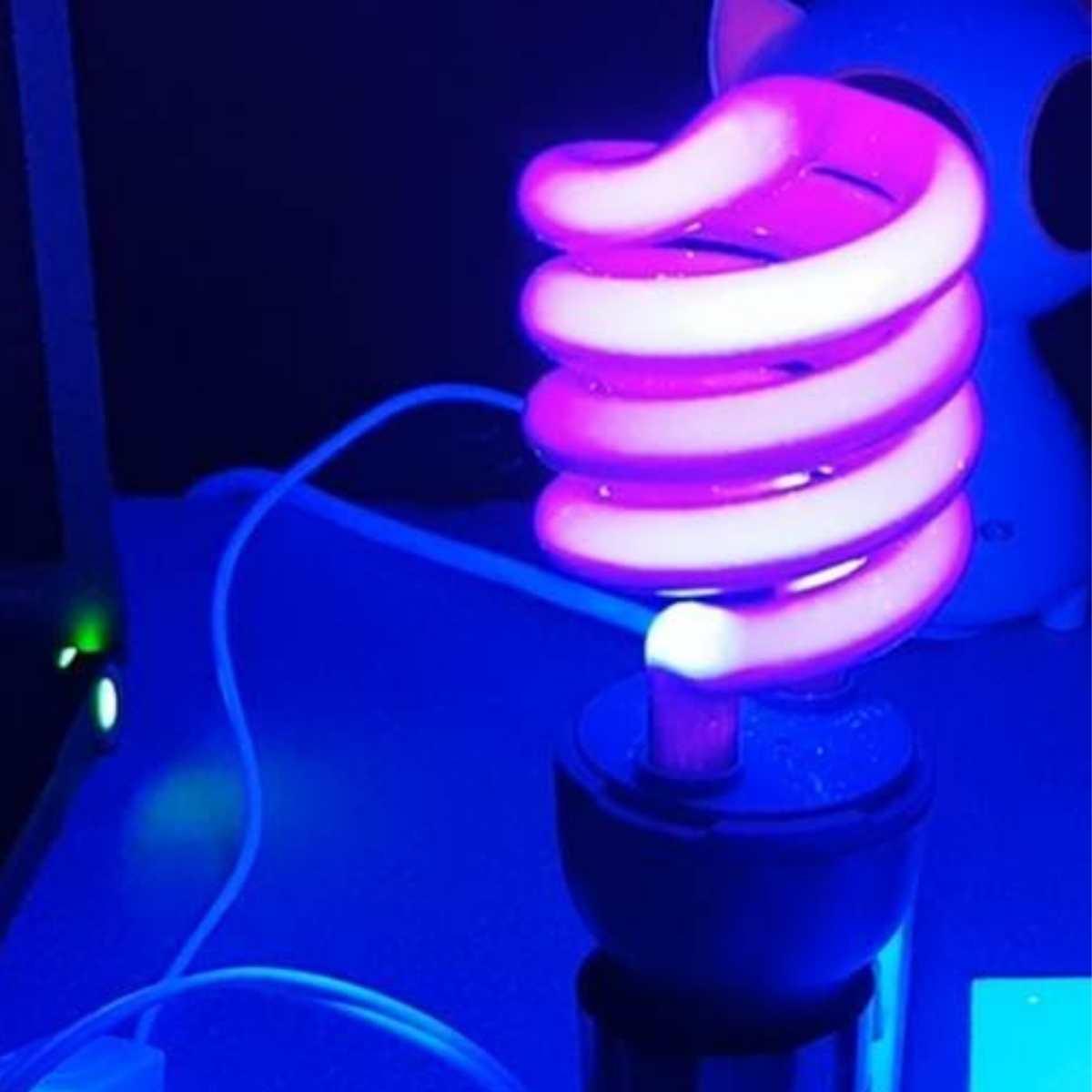 Lâmpada Fluorescente Luz Negra 26W