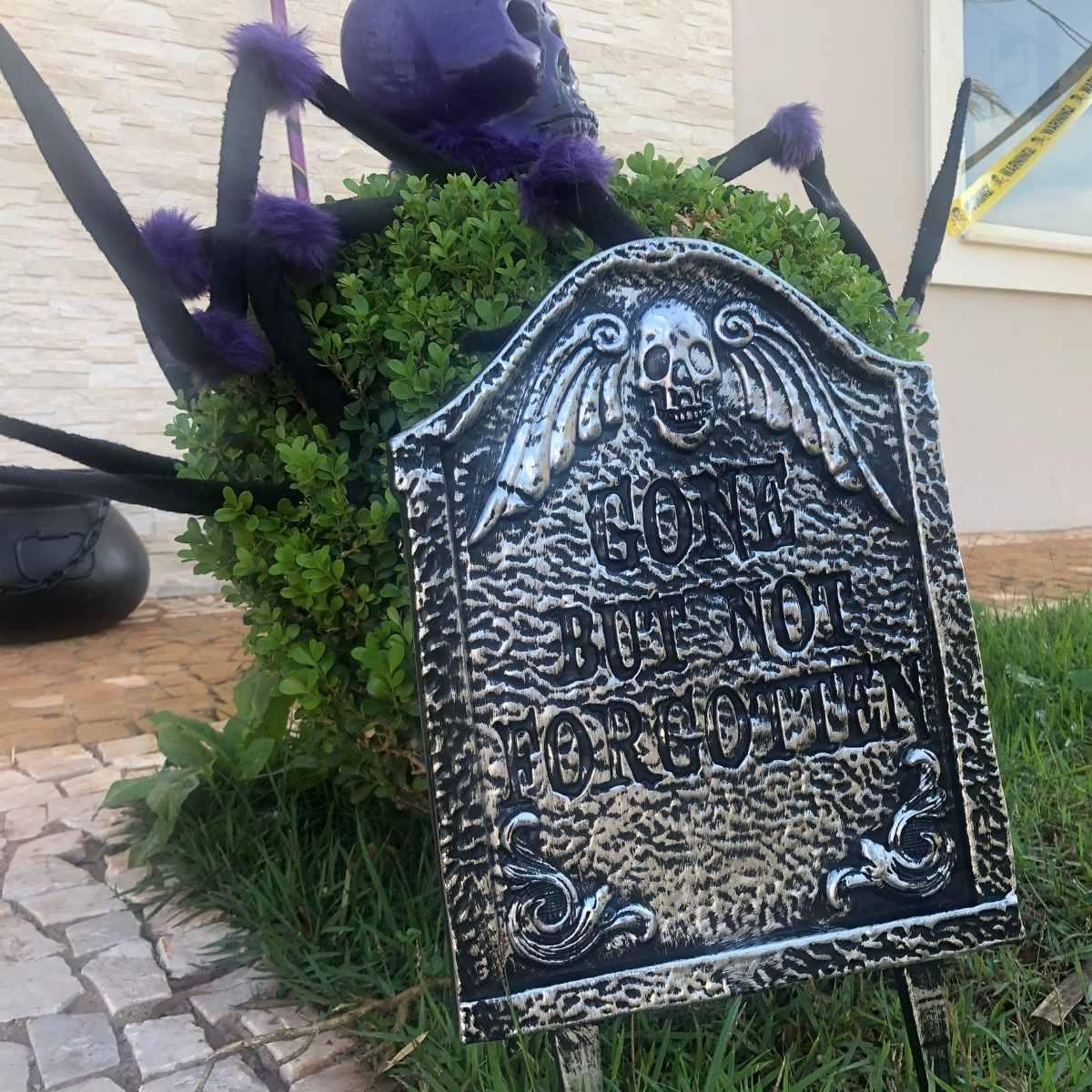 Lápide Halloween Plástica 31cm