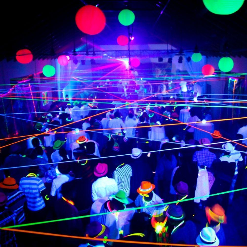 Pulseira de Neon Alto Brilho com 100 Unidades