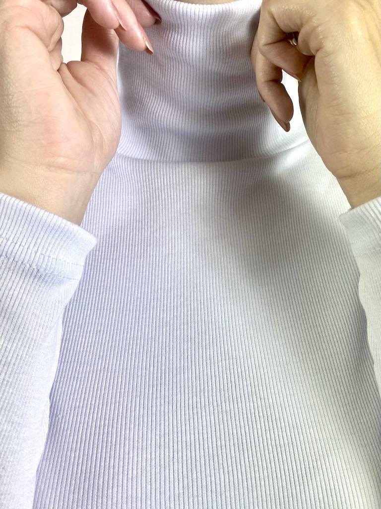 Blusa de Gola Alta Feminina - Tamanho M e G