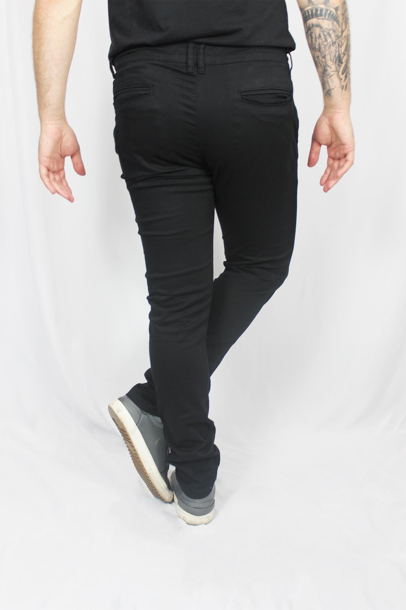 Calça Alfaiataria de Sarja Slim Lisa com Elastano Masculina - Preta