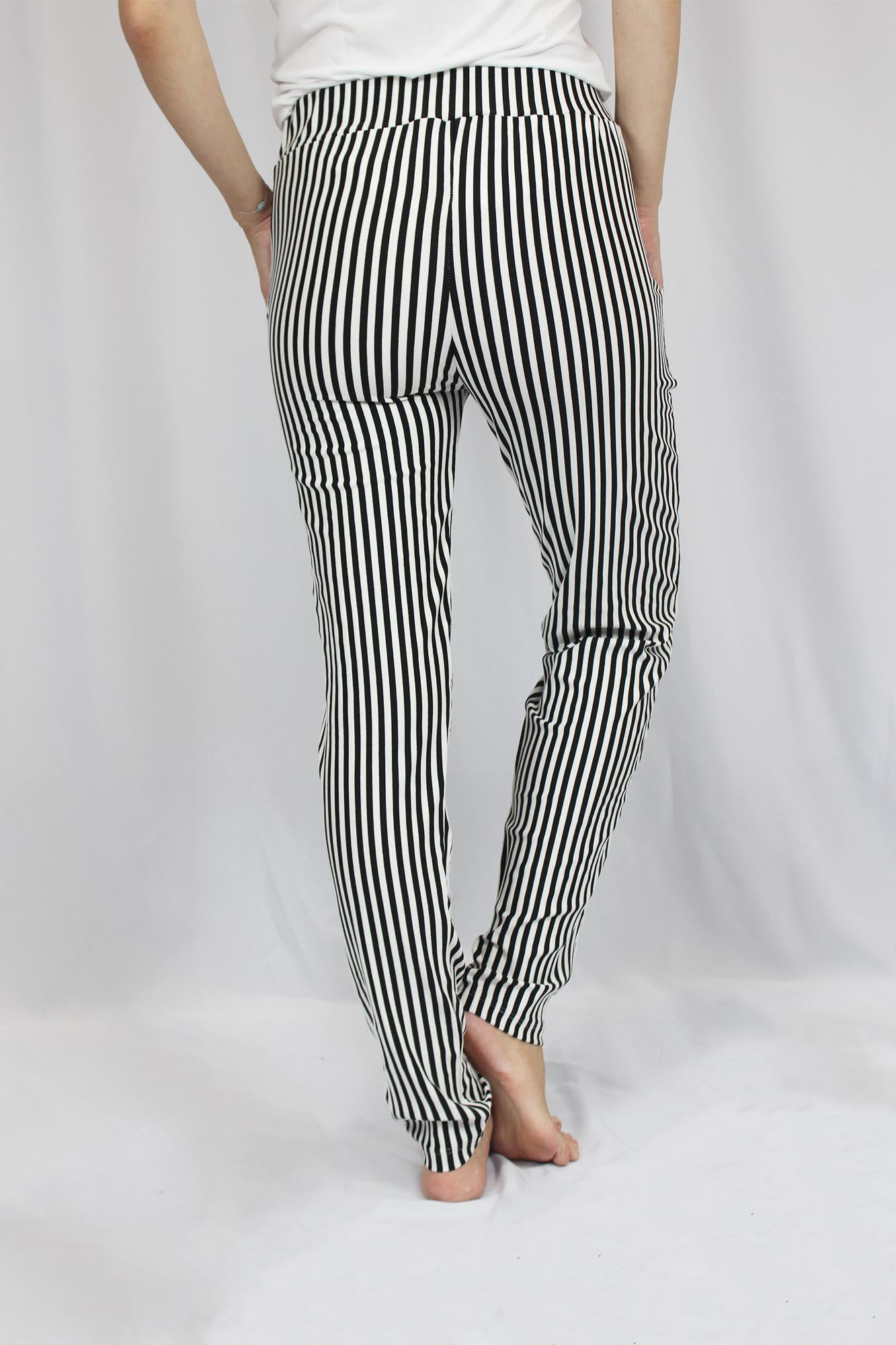 Calça Viscolycra Feminina - Listrado Branco e Preto