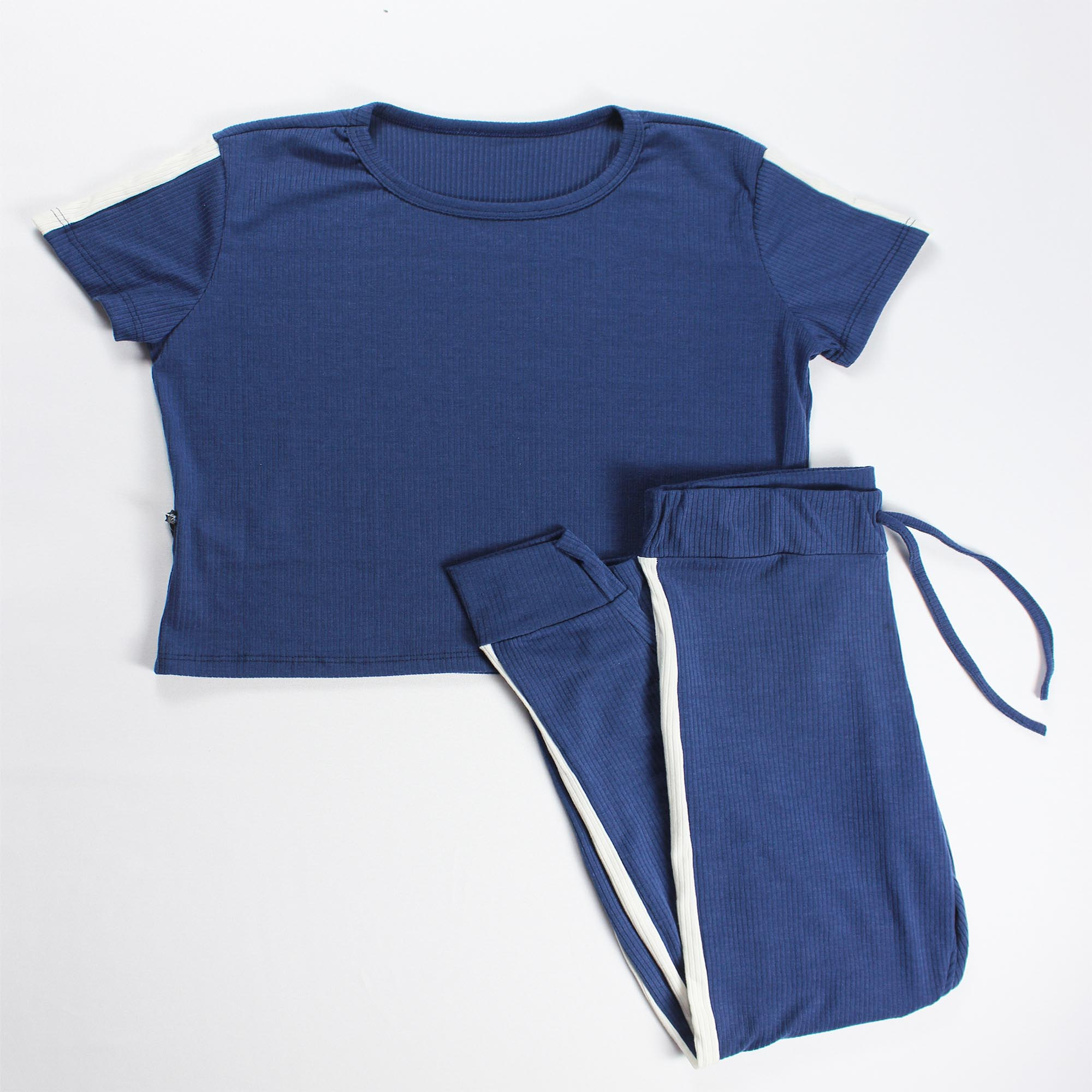 Conjunto Blusa e Calça Detalhe Faixa Feminino - Azul Marinho