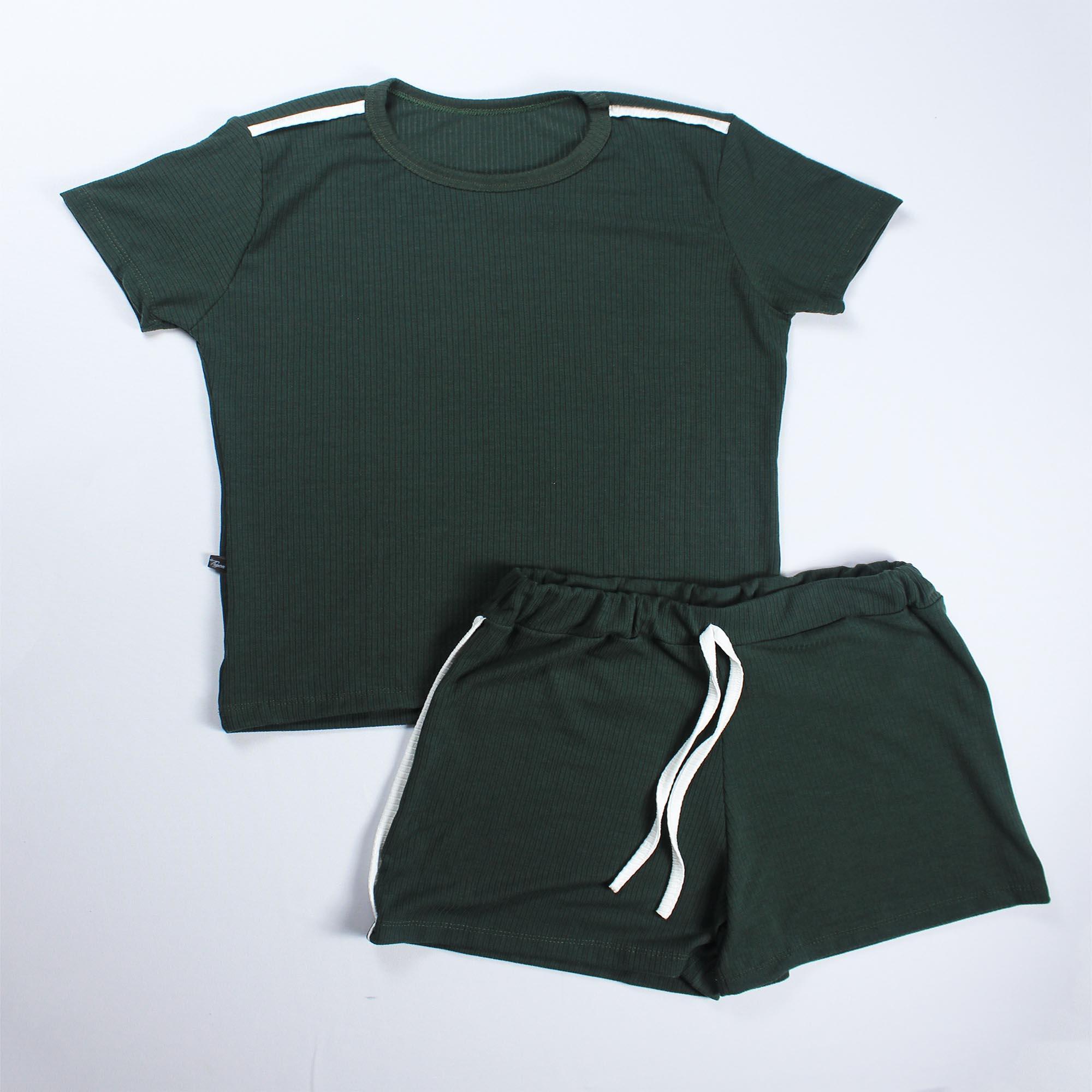 Conjunto Blusa e Short Detalhe Faixa Feminino -  Verde Escuro