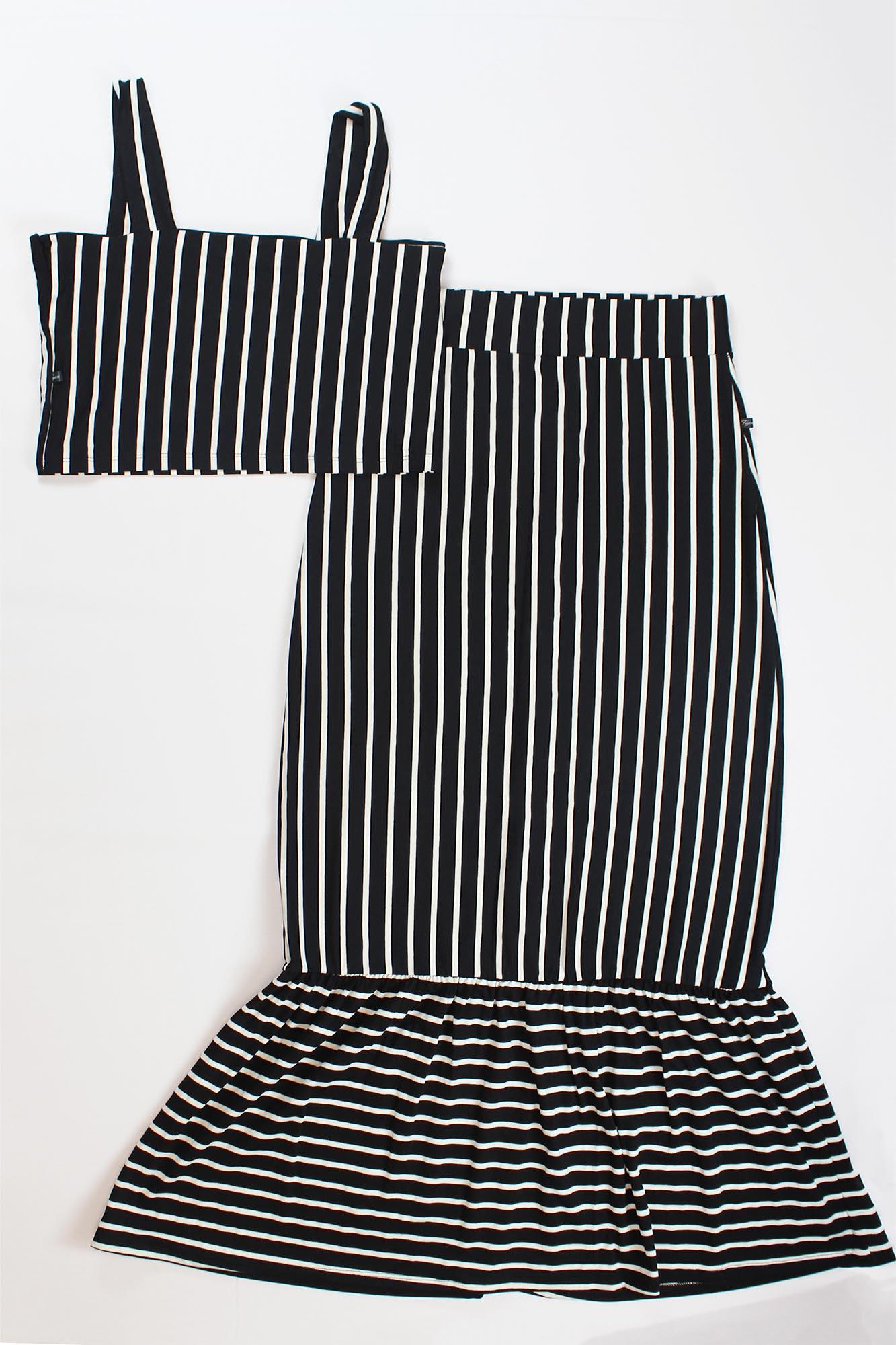 Conjunto Cropped de Alça e Saia com Botão Feminino - Preto e Branco