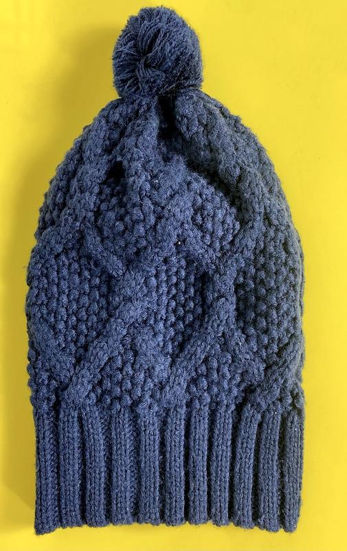 Gorro Azul Marinho com Pompom Feminino - Tamanho único (Produto Novo)