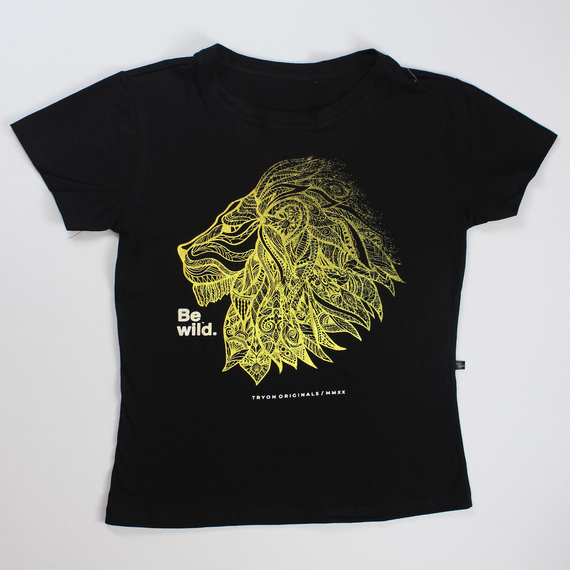 T-Shirt Lion Feminina - Preta e Dourada