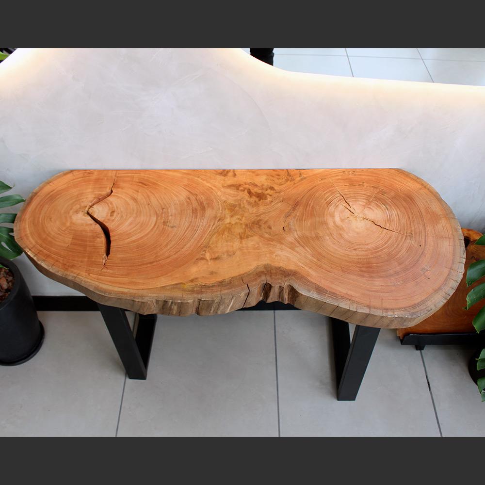 Aparador em Madeira Maciça Eucalipto Vermelho 132cm X 59cm X 80cm - AEV1010-L